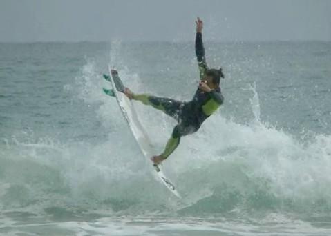 dede_surfing